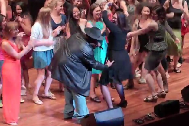 "This Is What Happens When Sir Mix-A-Lot Performs ""Baby Got Back"" With A Symphony Orchestra"