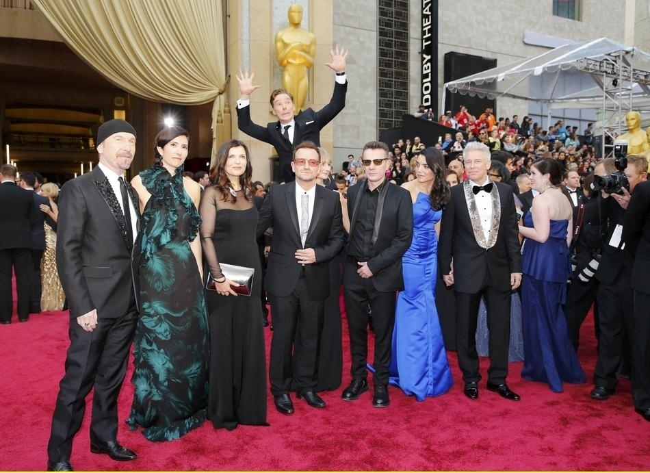 "You Can Now Watch A Video Of The Benedict Cumberbatch Oscars Photobomb, And It's Set To ""Jaws"" Music"