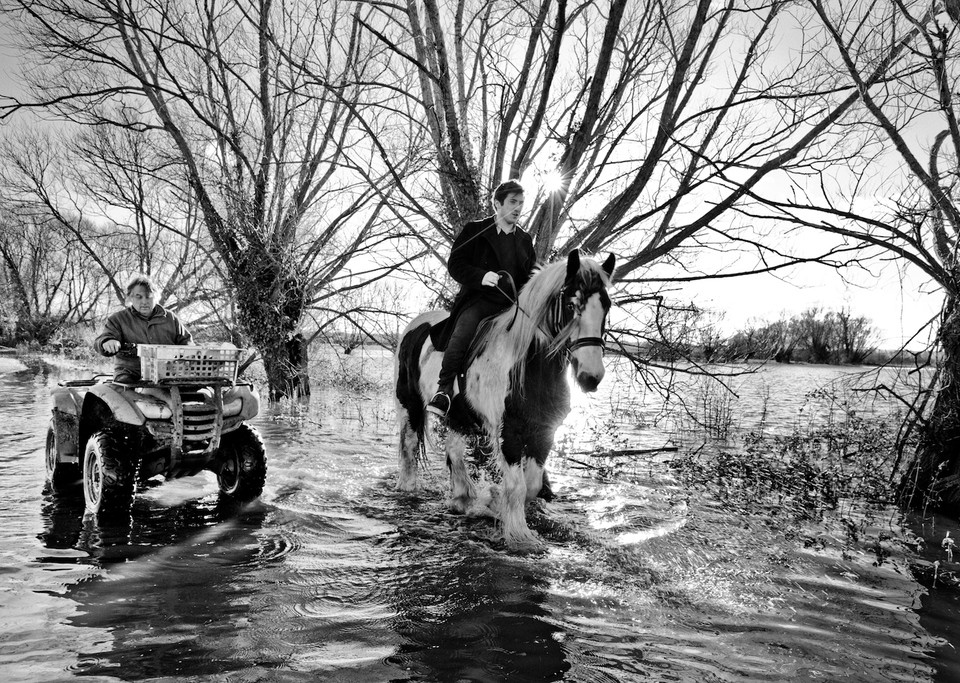 12 Strangely Beautiful Photos Of UK Floods