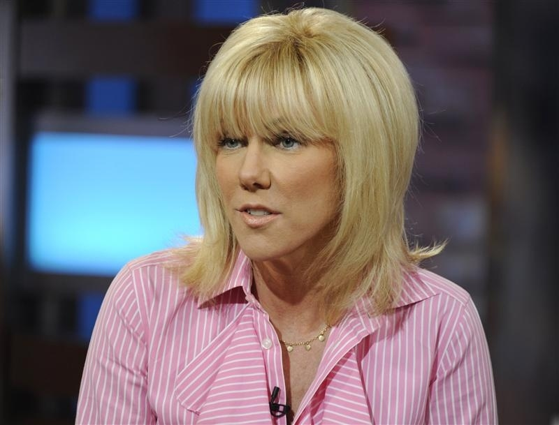 John Edwards' Ex-Mistress Rielle Hunter Issues Apology And Releases A Revised Copy Of Her Memoir