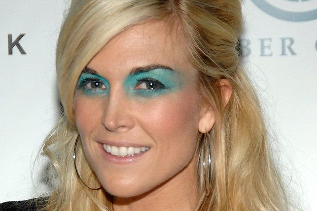 32 Reasons You Should Try Be Trying Blue Makeup